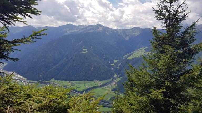 Weg zur Trenser-Joch-Hütte